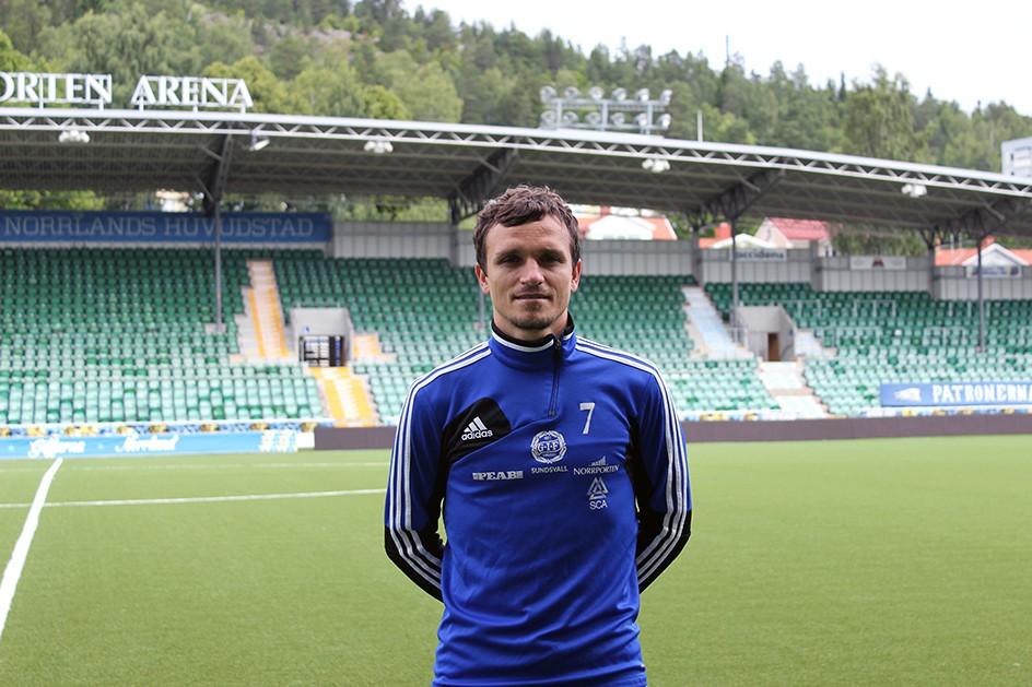 Anfallaren Shpetim Hasani klar för GIF Sundsvall