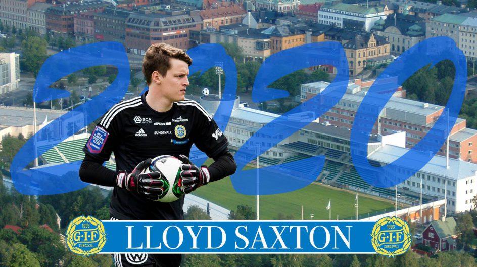 Lloyd Saxton skriver nytt kontrakt