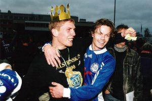 Dennis Östlundh och Andreas Yngvesson firar allsvenskt avancemang 1999