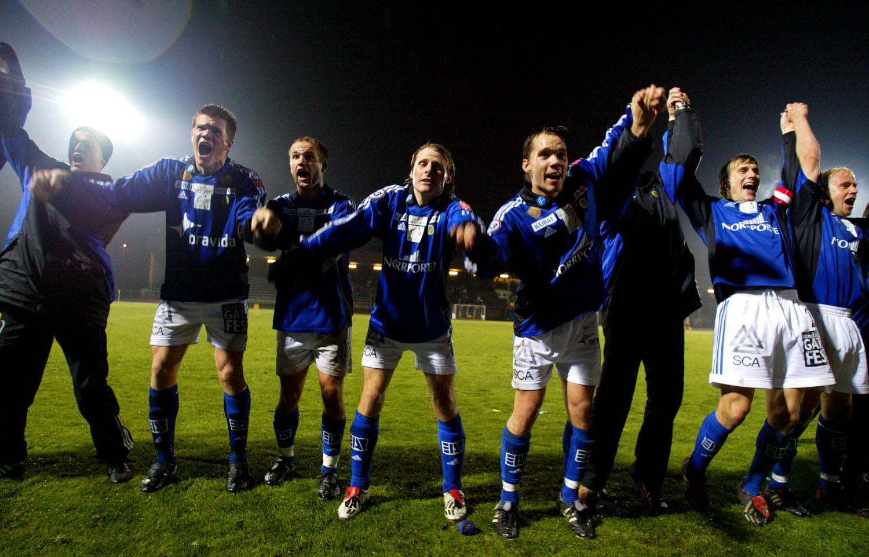 GIF Sundsvall jublar efter kvalseger mot Häcken 2003